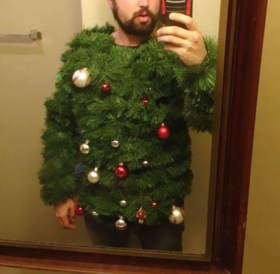 """Le pull de Noël """"j'ai recyclé mon sapin"""" pour les plus économes / radins"""